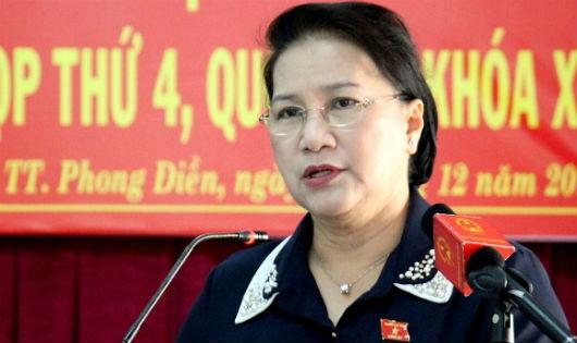 Chủ tịch Quốc hội Nguyễn Thị Kim Ngân trả lời ý kiến của cử tri tại huyện Phong Điền, TP Cần Thơ
