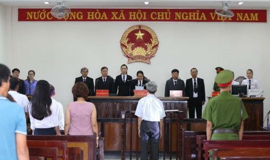 Phiên tòa xử Nguyễn Khắc Thủy (77 tuổi) về tội Dâm ô đối với trẻ em