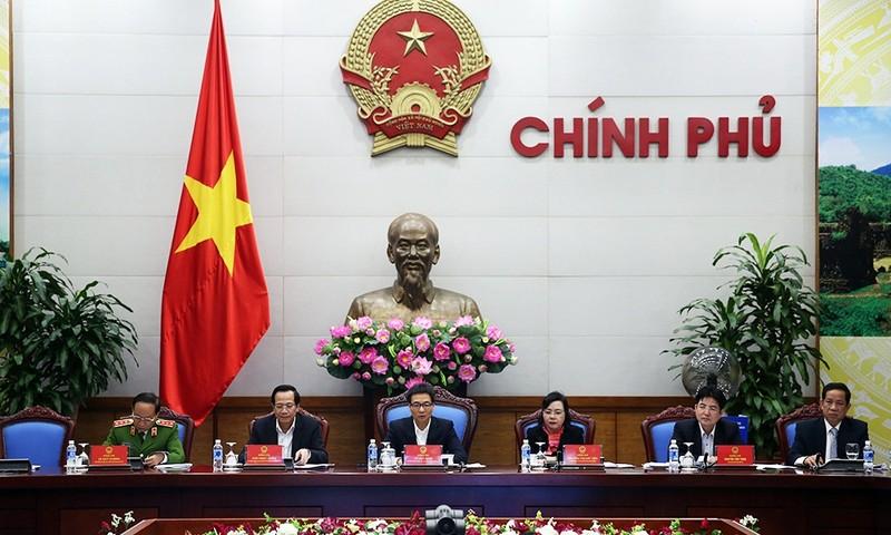 Phó Thủ tướng Vũ Đức Đam chủ trì cuộc họp trực tuyến với 63 tỉnh, thành phố trong cả nước. Ảnh: VGP/Đình Nam