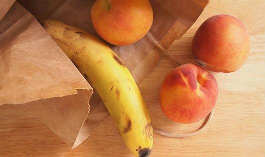 Mách bạn cách giúp hoa quả nhanh chín