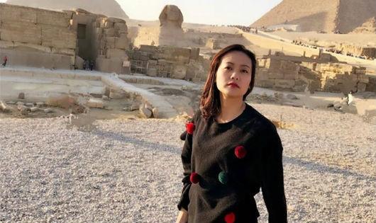 Hồng Ánh ấn tượng với Ai Cập 'bụi bặm, xô bồ nhưng huy hoàng'