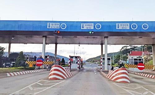 Trạm thu phí Định An trên tuyến cao tốc Liên Khương - Đà Lạt. Ảnh: Khánh Hương/VnE