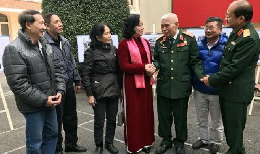 Các nhân chứng lịch sử cùng lãnh đạo TP Hà Nội ôn lại kỷ niệm về 12 ngày đêm hào hùng cách đây 45 năm