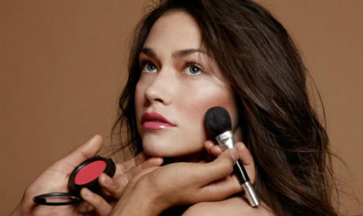 6 mẹo hay giúp bạn đánh má hồng đều và đẹp hơn