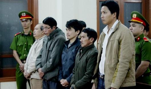 Vụ án gây hậu quả nghiêm trọng tại thủy điện Đắk Đrinh: Gây thiệt hại 26 tỷ đồng nhưng mức án cáo nhất chỉ… 3 năm tù treo