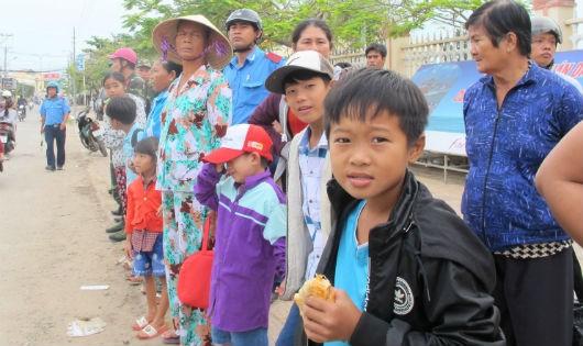 Sau bão Tembin: Người dân vui mừng trở về nhà, tàu thuyền ra khơi