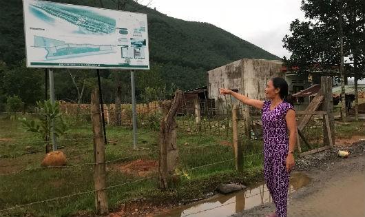 Hộ dân thôn Phò Nam sống cạnh đường Hồ Chí Minh vì nhường đất phải sống cảnh tạm bợ