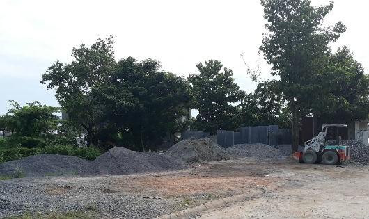 Khu đất công 1.000 m2 bị chiếm dụng làm bãi tập kết vật liệu xây dựng