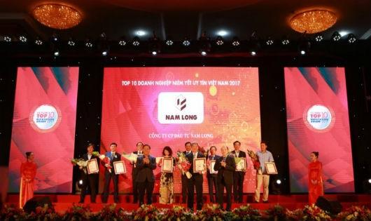 """Nam Long nhận """"cú đúp"""" Top 10 doanh nghiệp niêm yết uy tín và Top 500 doanh nghiệp lớn nhất"""