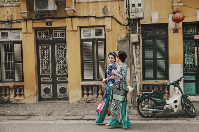 Cặp song sinh Huyền Thư - Thư Huyền hoá Cô ba Sài Gòn - 2