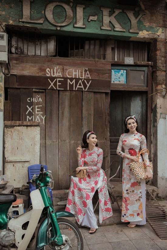 Cặp song sinh Huyền Thư - Thư Huyền hoá Cô ba Sài Gòn - 1