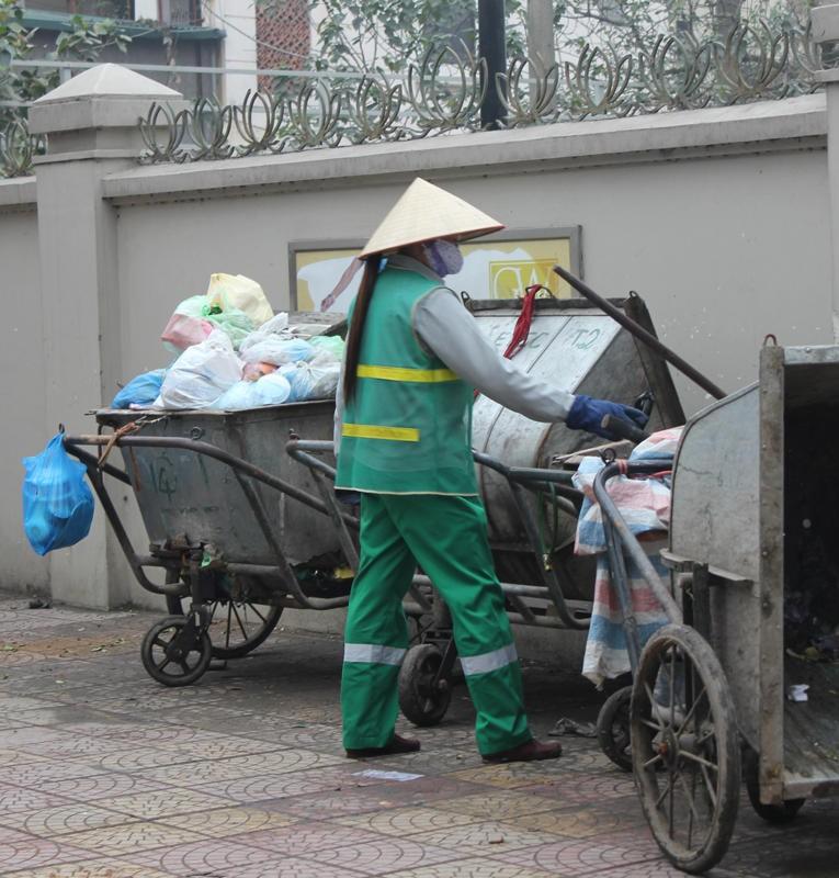 Thầm lặng giúp phố phường khang trang, sạch đẹp