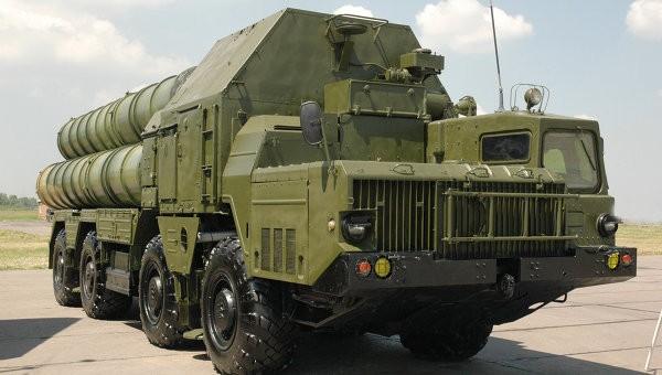 Tổ hợp tên lửa phòng không S-300. Ảnh Ria