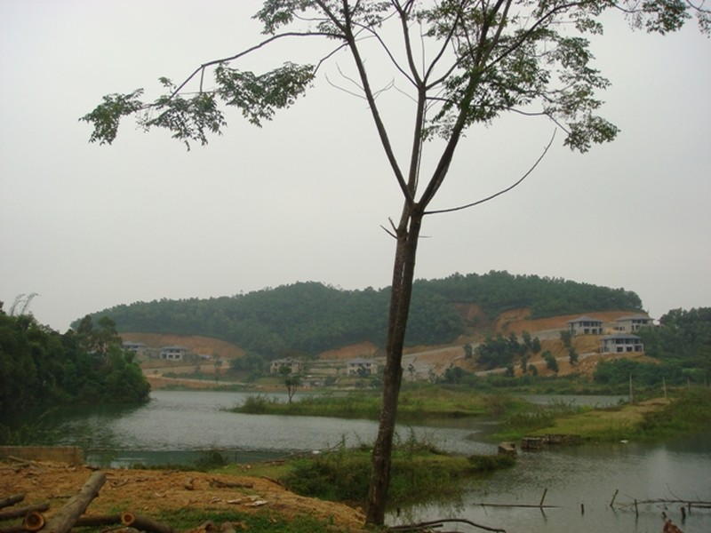 Biệt thự của Cty Archi Tản Viên nằm mặt hồ Đống, thôn Bơn.