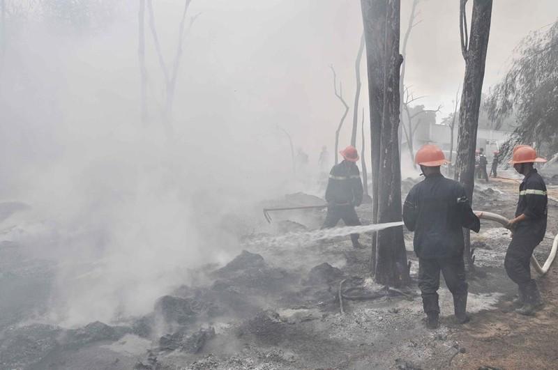 Hiện trường xảy ra vụ hỏa hoạn bị thiêu rụi hoàn toàn