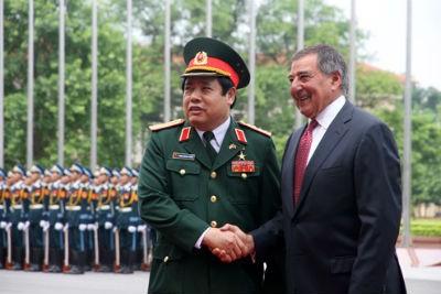 Bộ trưởng Phùng Quang Thanh tiếp Bộ trưởng Quốc phòng Mỹ.