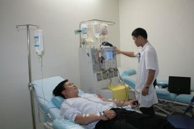Một bệnh nhân đang chuẩn bị cấy ghép tế bào gốc
