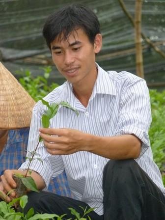 Đặng Xuân Ngọc giới thiệu cây chè giống