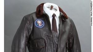 Chiếc áo khoác có giá khủng của nguyên tổng thống Mỹ
