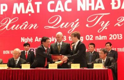 Hội nghị gặp mặt các nhà đầu tư Xuân Quý Tỵ 2013 tại Nghệ An
