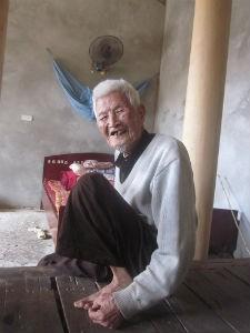 Cụ Chung (103 tuổi) kể về tục lạ của làng mình