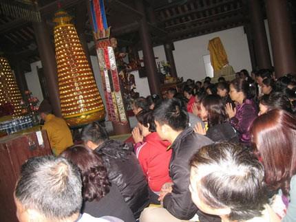Lễ cầu an ở chùa Cẩm Thực (Quảng Ninh). Ảnh: Thiện Ân