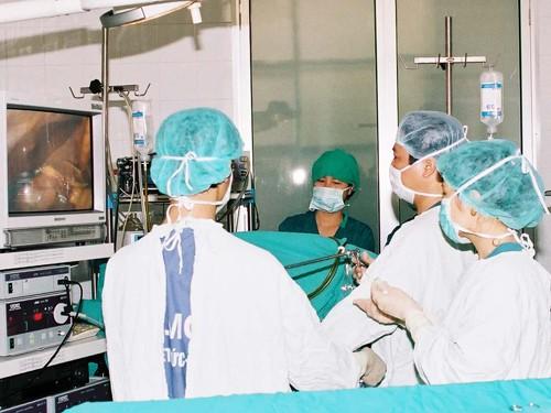 Một ca phẫu thuật chữa bệnh béo phì tại BV Việt Đức - Hà Nội