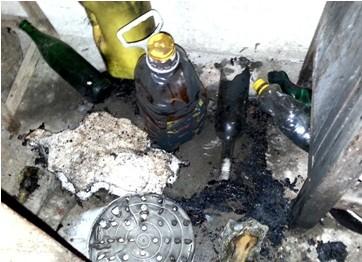 Một số vật dụng đã tự bốc cháy trong nhà ông Thanh