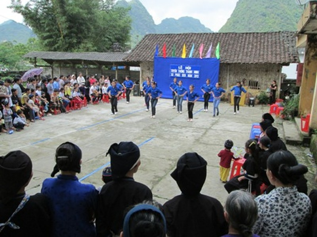 Hoạt động giao lưu văn nghệ được tổ chức tại lễ hội