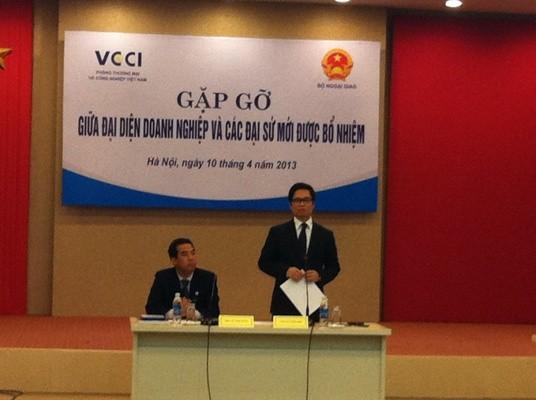 Ông Vũ Tiến Lộc, Chủ tịch VCCI phát biểu tại buổi gặp gỡ