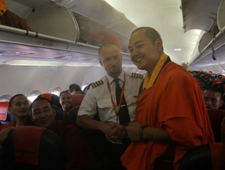 Cùng cơ trưởng của chuyến bay