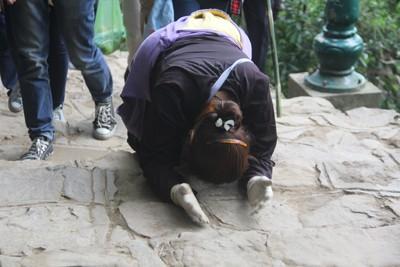 Họ cũng cho rằng đây cũng là dịp để họ được leo núi, và như là một nhịp điệu để họ rèn luyện sức khỏe của mình.