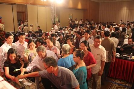 Cổ đông bỏ phiếu bầu