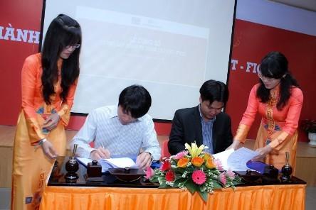 Lễ ký kết hợp đồng đầu tiên của Công ty FTICO