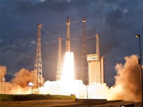 Tên lửa đẩy VEGA được phóng lên từ sân bay vũ trụ Kourou.