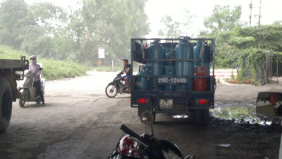 Những chiếc xe bán tải chở gas đã sang chiết đi tiêu thụ