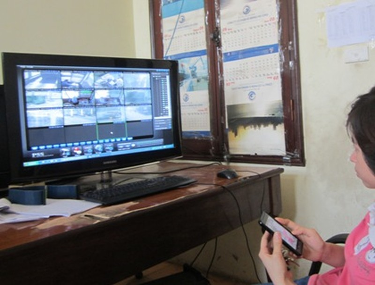 Camera tại trạm ghi lại nhiều trường hợp lái xe gây khó dễ cho nhân viên thu phí