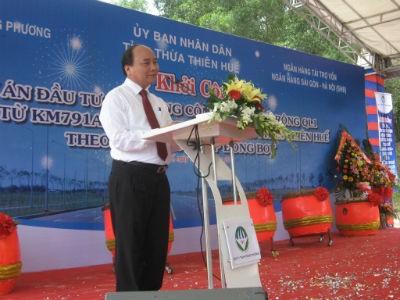 Phó thủ tướng Nguyễn Xuân Phúc phát biểu tại lễ khở công dự án mở rộng QL1 qua tỉnh Thừa Thiên Huế