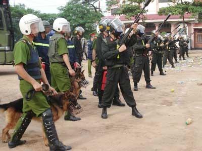 Lực lượng công an giữ vai trò nòng  cốt trong công tác chống khủng bố