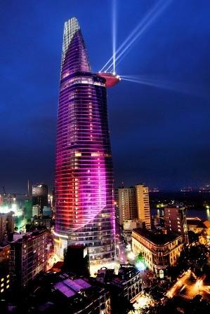 Toà nhà Hà Nội City Complex ( phố Liễu Giai - Đào Tấn, quận Ba Đình, Hà Nội) có chiều cao 170m. ( Ảnh: Wikipedia)