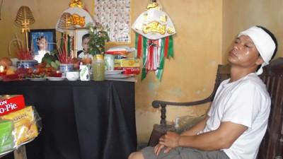 Nỗi Đau mất vợ, mất con khiến anh Nguyễn Văn Thức,  như người mất hồn.