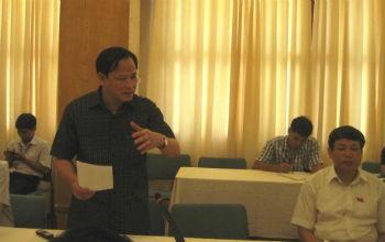 Đại biểu Trịnh Xuyên (Thanh Hóa) phát biểu tại Hội trường
