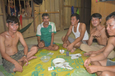 Gia đình chị Định Thị Thơm có một đứa con bạch tạng bị dân làng chôn sống