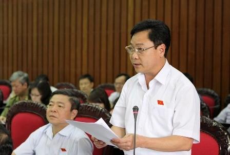 Dương Quang Sơn tỉnh Bắc Kạn phát biểu tại nghị trường