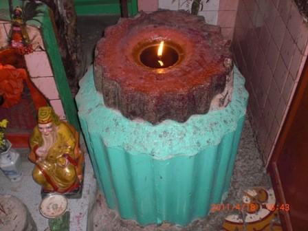 Ngọn nến đã cháy liên tục hơn 40 năm
