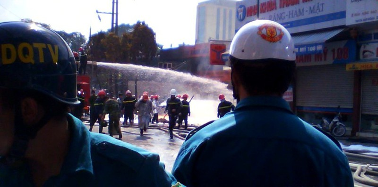 Đội PCCC hoạt động kiểm soát đám cháy