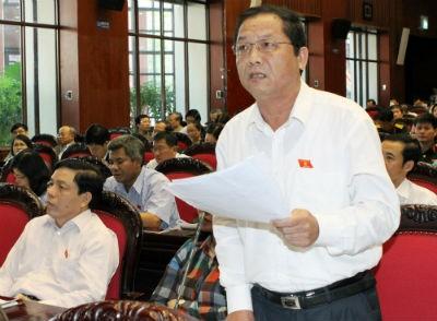 ĐBQH Phạm Văn Tân (Nghệ An) phát biểu tại Hội trường