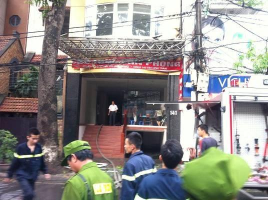Cảnh sát đã có mặt kịp thời để dập tắt đám cháy