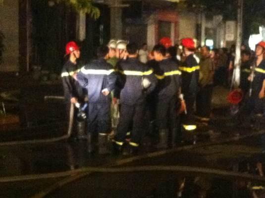 Đội cứu hỏa nhanh chóng dập tắt đám cháy