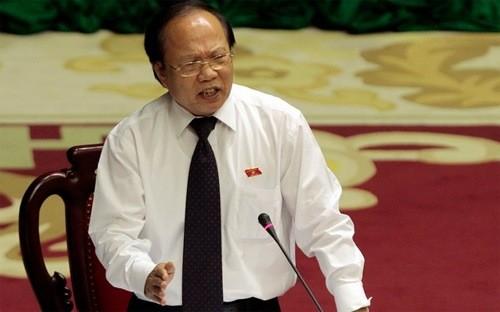 Bộ trưởng Hoàng Tuấn Anh đã trả lởi chất vấn của các đại biểu QH